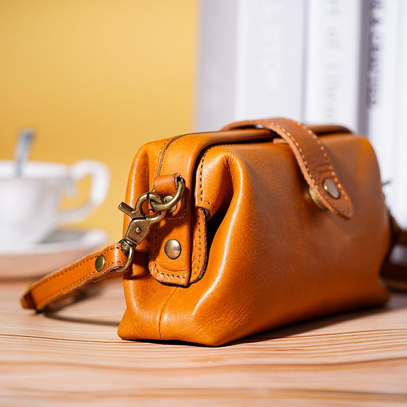 Premium Leather Retro Handmade Crossbody Bag